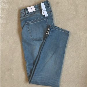 Pearl accent ankle jeans